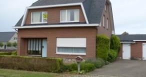Meerhout: vrijstaande woning met 3 slpks