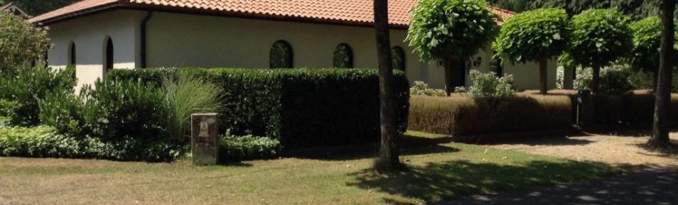 MOL-Wezel : zuiderse villa met mooie tuin