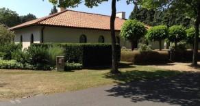 MOL-WEZEL : Gelijkvloerse Villa