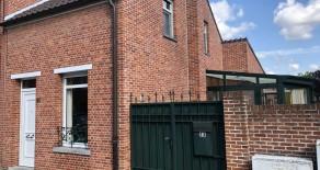 Meerhout: gezellige en verzorgde woning met 2 slaapkamers, buitenruimte en garage.
