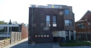 Meerhout : Mooi dakappartement met twee slaapkamers en twee grote terrassen.